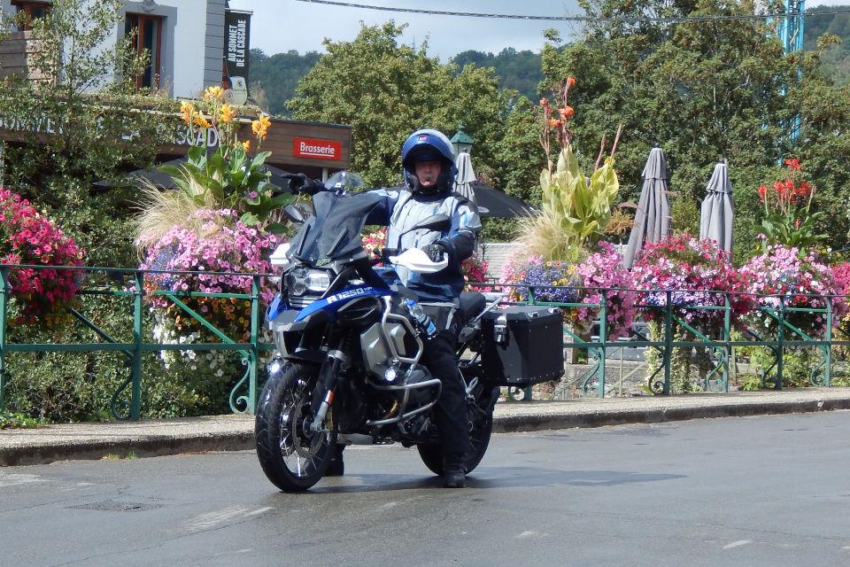 Motorrijbewijspoint Utrecht examengarantie AVB en AVD